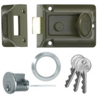 ERA 135 Non-Deadlocking Nightlatch 60mm Green & SC Cyl Boxed